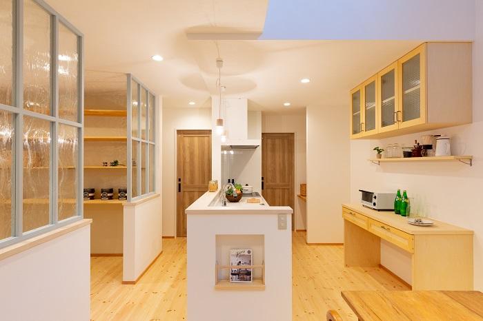 |ママン上越|ナチュラル|mamanの家|可愛いおうち|上越市|糸魚川市|妙高市|デザイン住宅|ビンテージ|かわいいお家|エイジング|デザインコンクリート|おしゃれな家|塗り壁|キッチン|ウッドワン